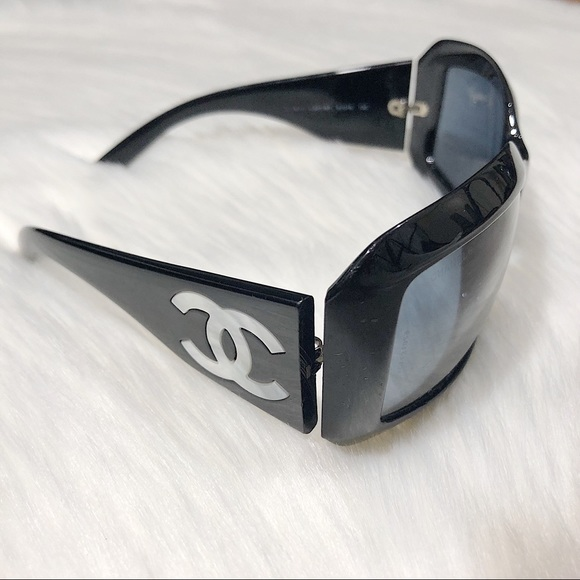 4359b07177a18 CHANEL Accessories - Chanel Mother of Pearl Sunglasses. Authentic.